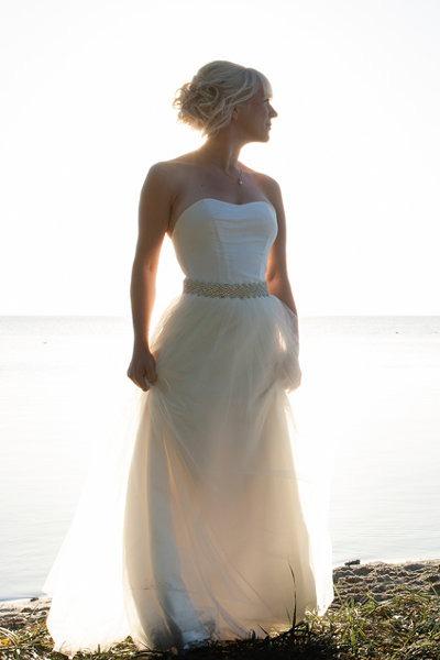 Corsage brudekjole med tyllskørt, og krystal bælte
