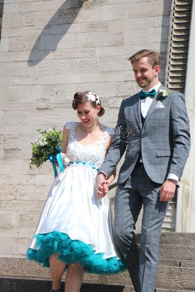Vintage brudekjole upcycled så den passer bruden
