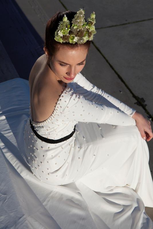 brudekjole med perler. Alle perler er håndbroderet på og giver et fantastisk eksklusivt udtryk