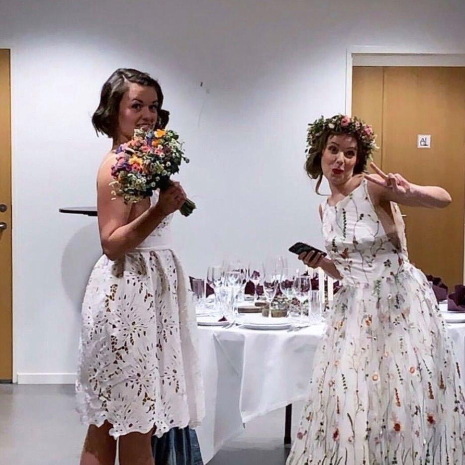 Glade brude modeller klar til modeshow på Brudens dag