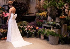 brudekjole trends 2021 detalje stor støjfe slæb i silke